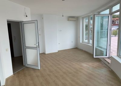 Large 1 Bedroom Apartment With Stunning Views, Varna 3