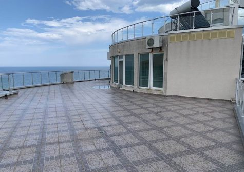 Large 1 Bedroom Apartment With Stunning Views, Varna